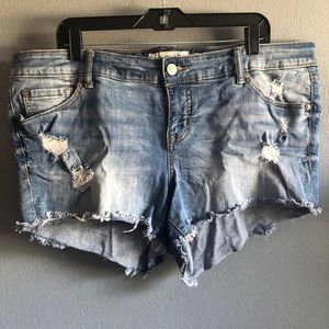 Torrid size 16 3.5 inch inseam destructed shorts.